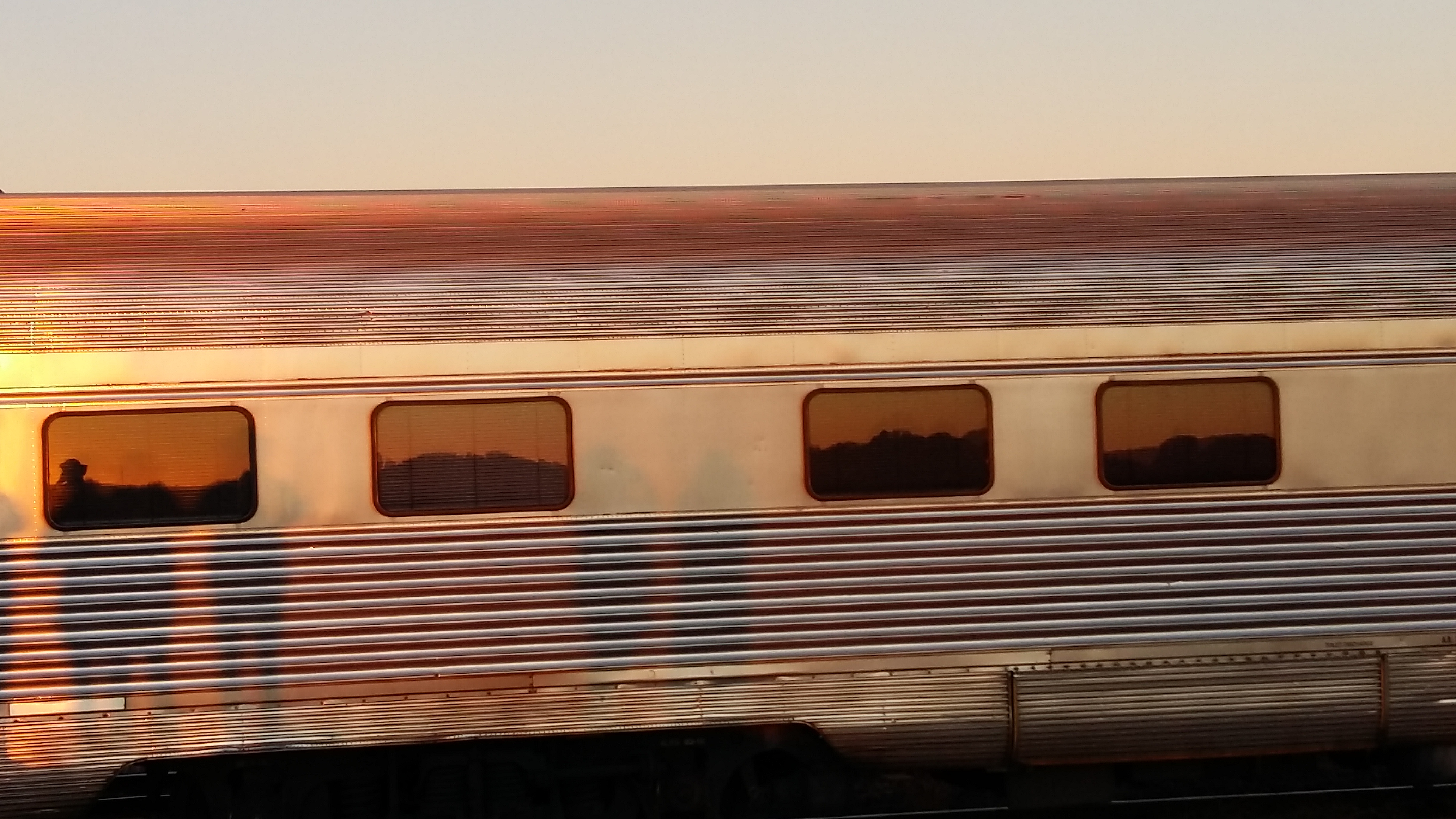 20180702_072817 Zon in The Ghan (3)